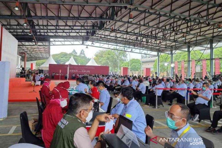Program Vaksinasi Gotong Royong kini sudah mencakup 1.933 pekerja di Bekasi
