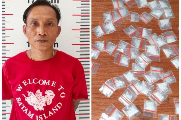 Polisi Pangkalan Susu tangkap Pak De miliki 70 paket sabu-sabu 15,54 gram