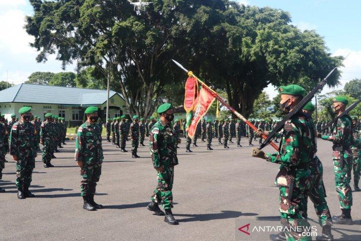 Jaga perbatasan Malaysia-Indonesia 450 prajurit Yonif 144 diberangkatkan ke Kalimantan