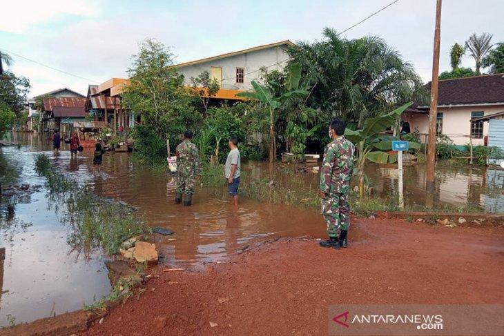 Banjir di jalan nasional Kalis-Putussibau surut