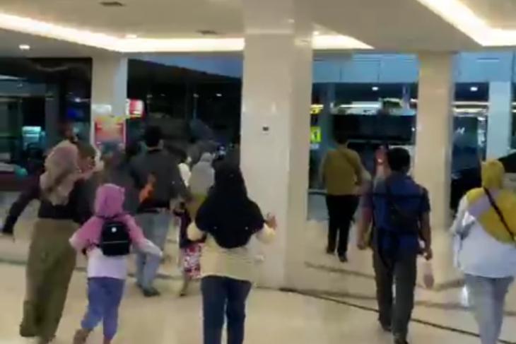 Warga Kediri dilanda panik saat gempa magnitudo 6,2