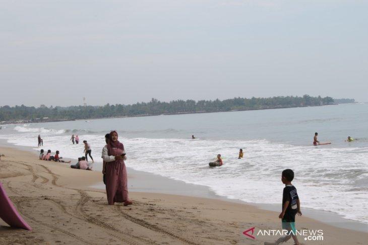 Dengan prokes ketat, Wisata Pantai Anyer-Cinangka kembali dibuka