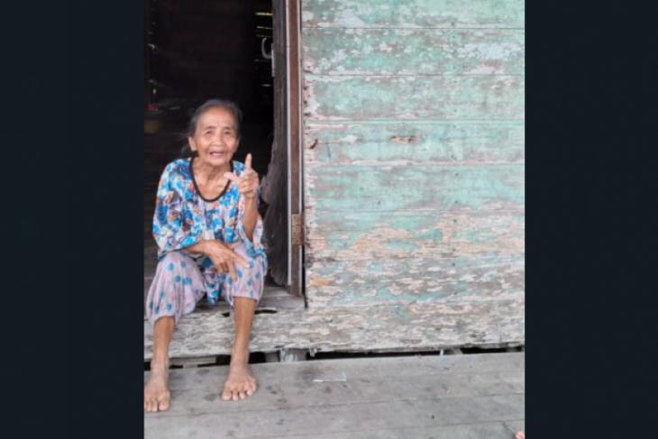PLN sambungkan listrik gratis bantu warga kurang mampu di Sambas