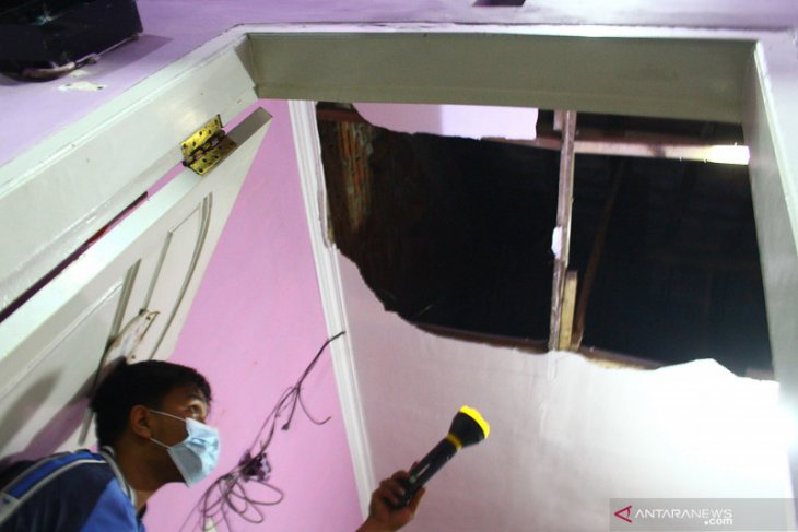 Friday night's earthquake caused damage to 30 houses in Malang