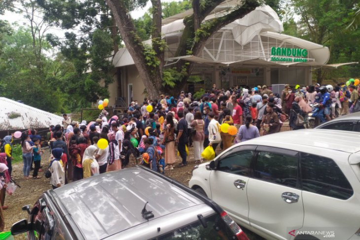 COVID-19 - Bandung city's six tourist destinations closed until June 1