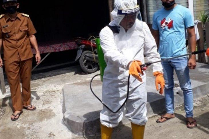 Ratusan desa - kelurahan di Tapsel serempak lalukan penyemprotan disinfektan