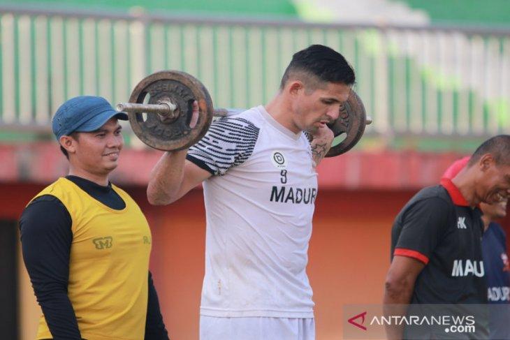 Pelatih Madura United fokus perbaiki kondisi fisik pemain