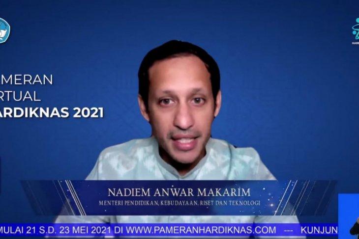 Nadiem Anwar Makarim buka pameran virtual Hardiknas