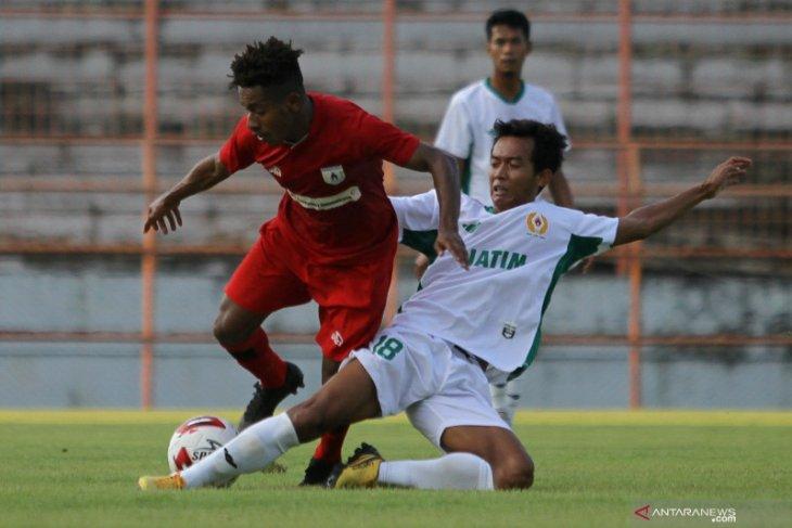 Joshua  tak berencana bela klub lain di Indonesia selain Persipura