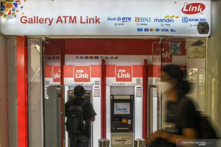 Kemarin,  belanja pemerintah hingga penundaan biaya di ATM Link