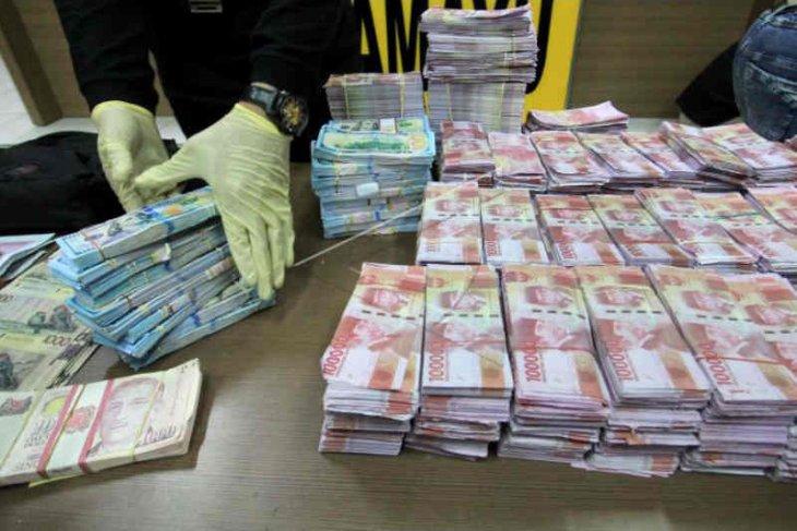 Polisi sebut satu miliar uang palsu dijual Rp5 juta