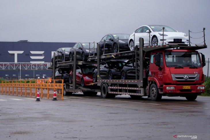 Distribusi Tesla  ditaksir  tembus 1,3 juta unit pada 2022