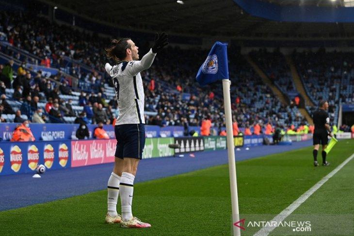 Liga Inggris: Tottenham bantu Chelsea tetap finis di empat besar
