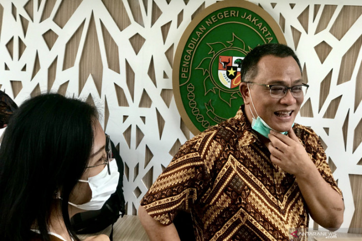 Majelis Hakim kembali sidang Jumhur Hidayat sampai 2 September