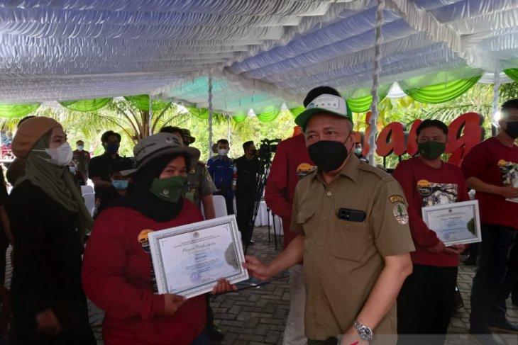 Wartawan LKBN Antara terima penghargaan dari Kementerian Lingkungan Hidup