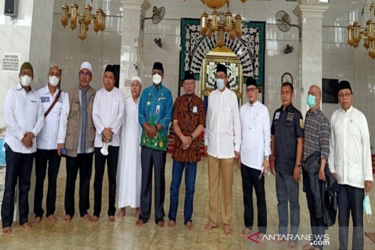 Ketua DPD RI Ziarah ke makam tokoh agama di Kalsel