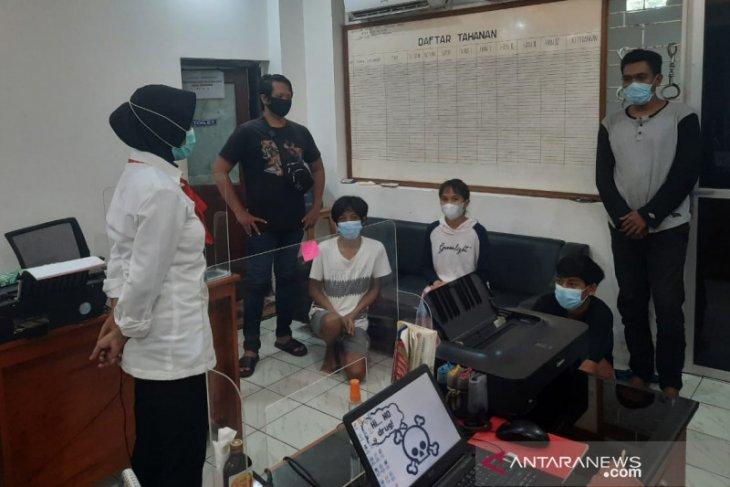 Polisi tangkap pemilik salon terduga pengedar sabu