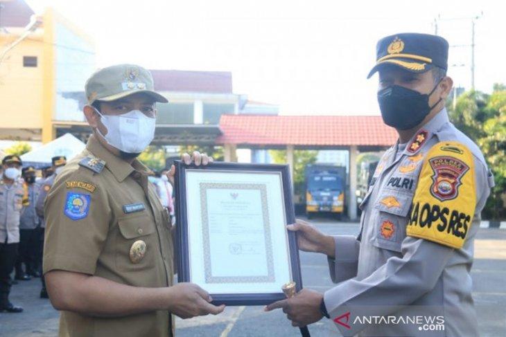 12 personel Polres Bengkulu terima penghargaan Wali Kota