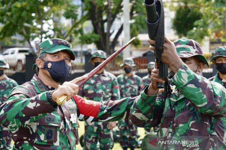 Pangdam Kasuari periksa kesiapan prajurit di daerah  Papua Barat