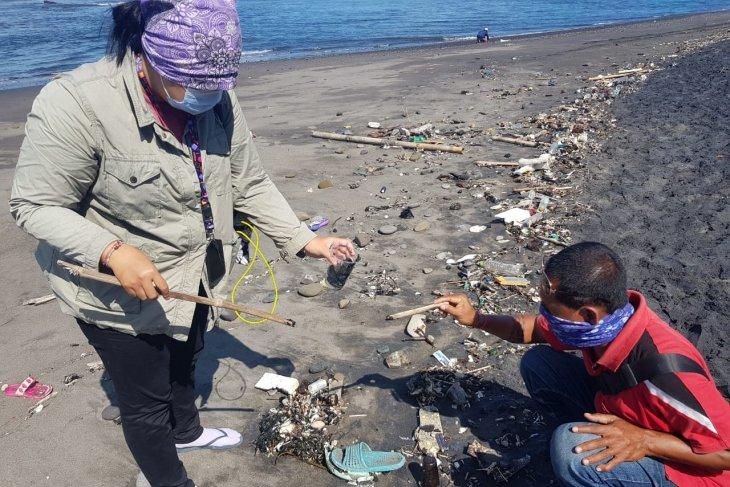 KKP ambil langkah responsif ditemukan tumpahan minyak di Pantai Saba Bali