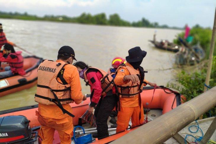 Basarnas Banten lanjutkan pencarian pelajar terseret ombak