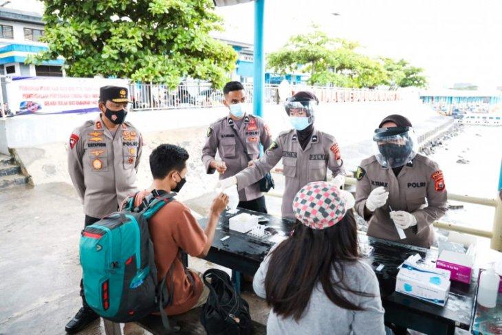 Polda Malut lakukan tes usap antigen gratis bagi  penumpang angkutan laut