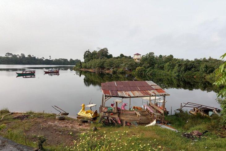 Dinas Pariwisata Mukomuko lakukan penataan obyek wisata Danau Nibung
