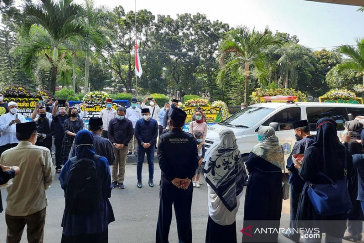 Rektor Universitas Pancasila meninggal