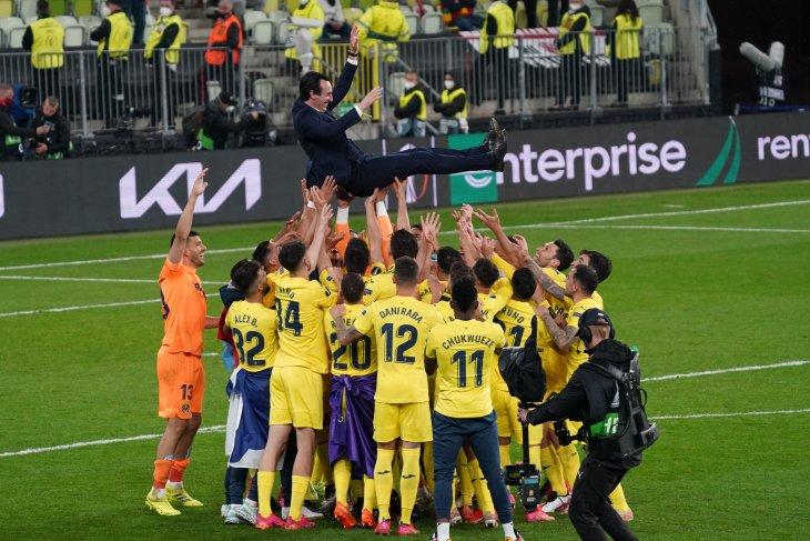Unai Emery puji dedikasi pemain Villarreal usai  juarai Liga Europa