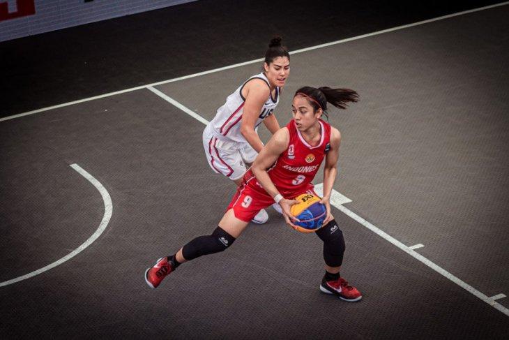 Timnas bola basket 3x3 putri Indonesia berjibaku hadapi Amerika di kualifikasi Olimpiade