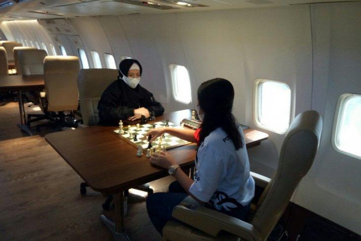 Pecatur Lampung dan Papua uji tanding di atas pesawat