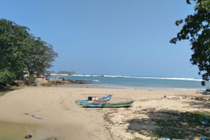 BPBD Banten minta warga tinggal di pesisir pantai waspada gempa tektonik