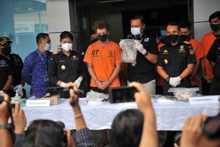 BNNP Bali sita ratusan gram narkotika DMT dari turis asal Rusia