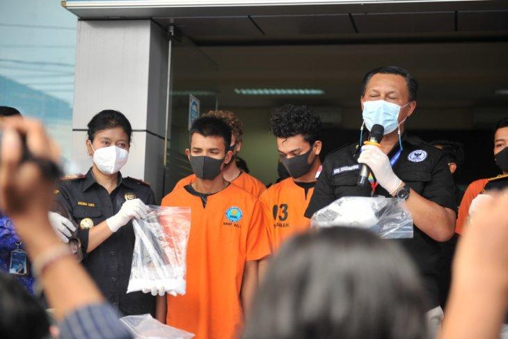 BNNP Bali gagalkan peredaran 1 kg sabu-sabu lintas provinsi