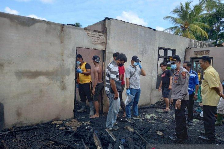 Rumah kopel terbakar di Poriaha Tapanuli Tengah