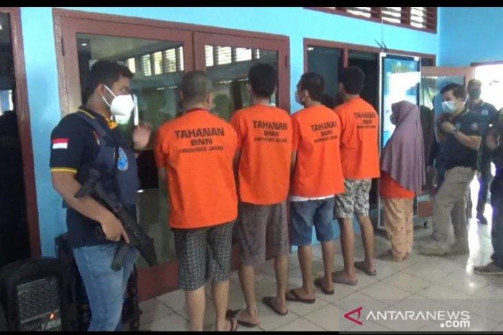 BNN Jambi musnahkan 2,1 kg sabu milik sepasang suami istri