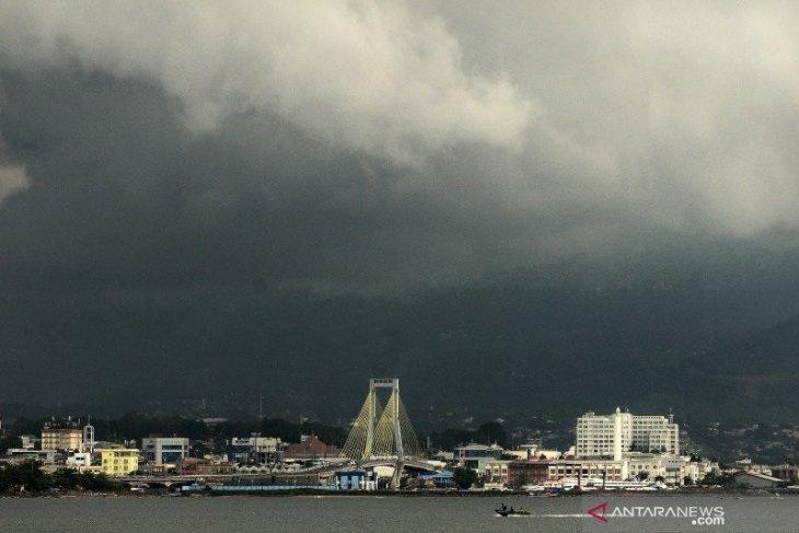 Jambi berpotensi hujan lebat disertai petir termasuk  di beberapa daerah di Indonesia