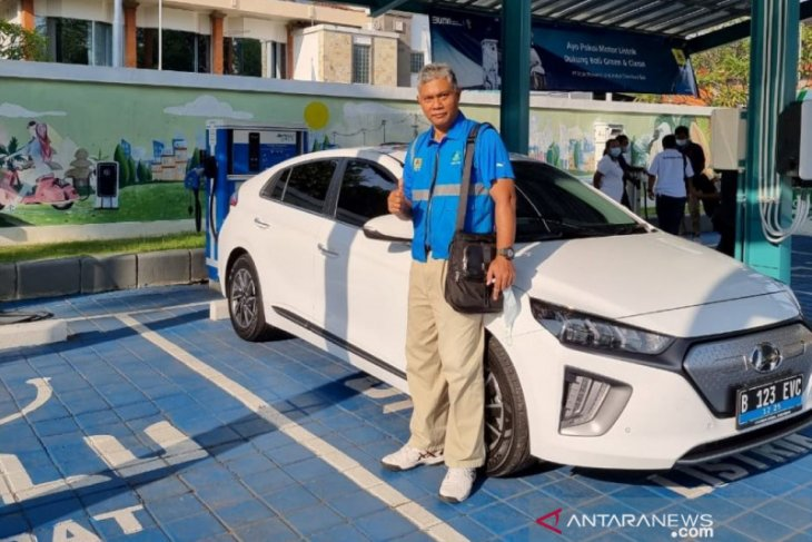 PLN Bali dorong pertumbuhan kendaraan listrik dengan pola retrofit