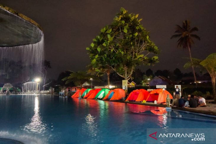 Family Camp Tirtosari Lumajang tawarkan sensasi bermalam di tepi mata air