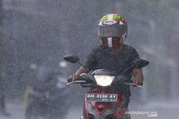 Hujan lebat  berpotensi meliputi beberapa wilayah Indonesia