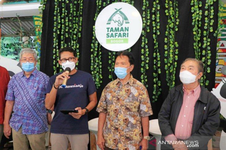 Menparekraf Sandiaga Uno namai gajah di TSI Bogor