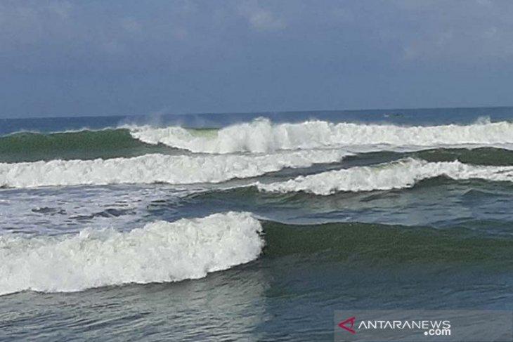 BMKG: waspada gelombang sangat tinggi hingga 6 meter di perairan Indonesia