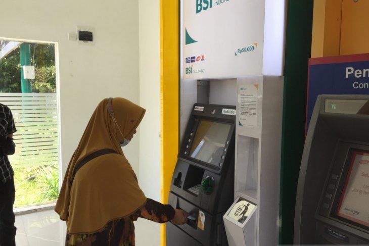 Warga keluhkan ATM BSI tak bisa tarik tunai