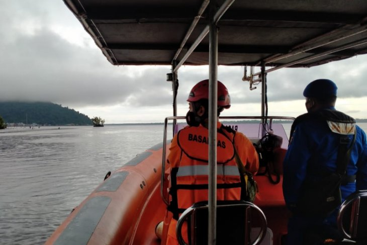 BPBD Kayong Utara bantu pencarian korban sampan tenggelam di Kerawangan