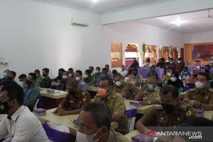 Anggota BPD se-Kabupaten HST dilatih