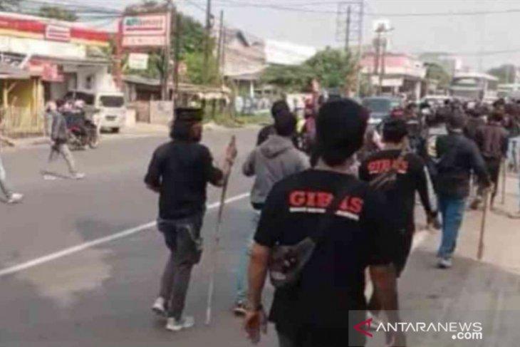 Dua kubu ormas nyaris bentrok di Tambun Bekasi (video)