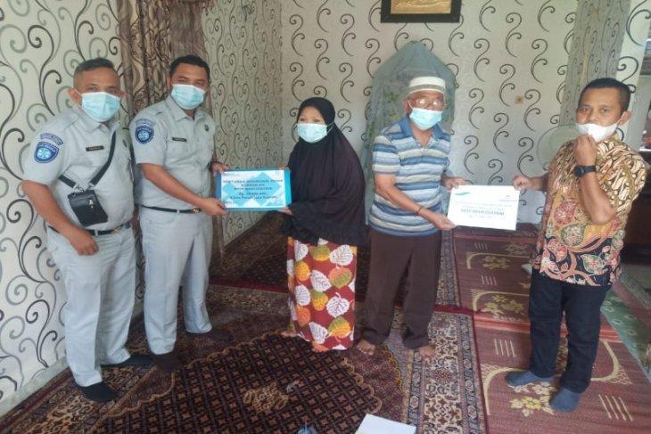 Jasa Raharja serahkan santunan  untuk korban meninggal KMP Ihan Batak