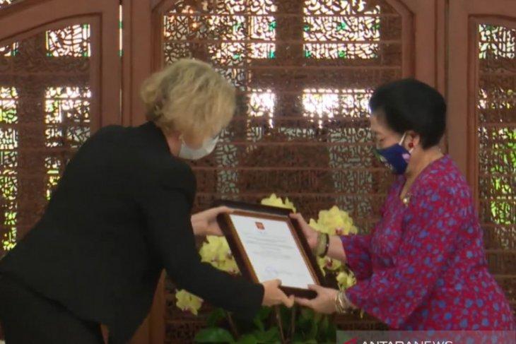 Megawati buka peluang riset antariksa dengan Rusia