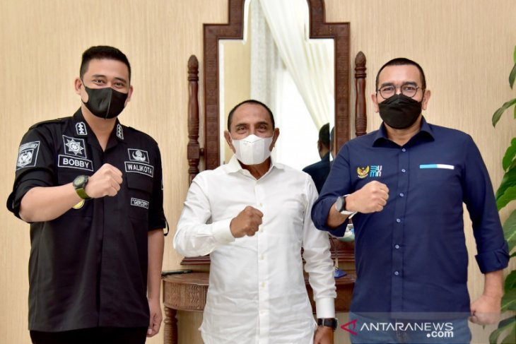 Pemkot  Medan targetkan BUMN vaksinasi 5.000 warga per hari