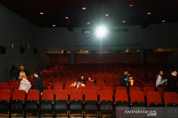 Empat persyaratan untuk masuk bioskop yang mulai dibuka hari ini